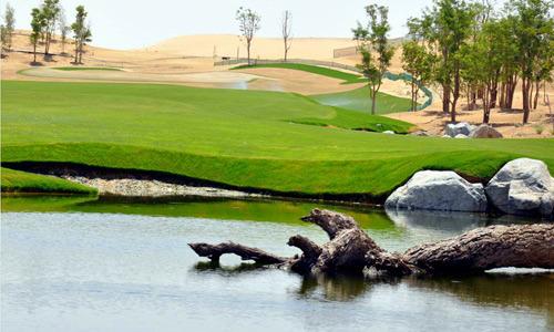 Amenajari acvatice terenuri de golf